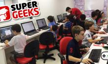 Oficina de Games gratuita ensina programação com Minecraft para garotada na SuperGeeks de Alphaville